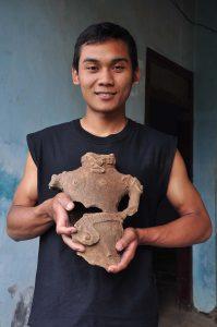 figurin terakota dari candi bubrah
